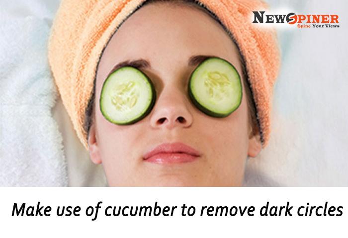 Make use of cucumber to remove dark circles
